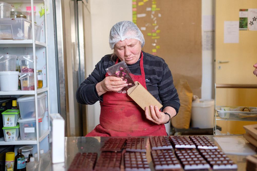 Mise en boite solidaire de chocolats